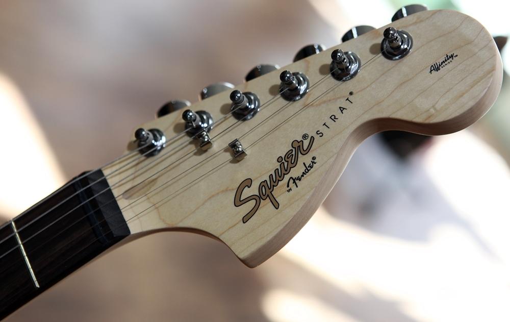 guitars electric guitars fender squier affinity series stratocaster hss olympic white laurel. Black Bedroom Furniture Sets. Home Design Ideas