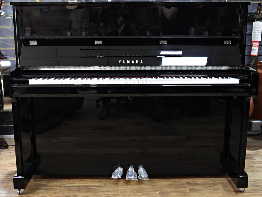 Pianos keyboards pianos yamaha b3 upright piano in for Yamaha piano los angeles