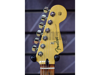 Fender Player Stratocaster Polar White Electric Guitar
