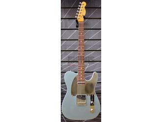 Fender Chrissie Hynde Telecaster Ice Blue Metallic Electric Guitar & Case
