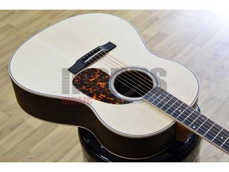 Larrivee L-03R Rosewood Recording Series Acoustic Guitar & Case