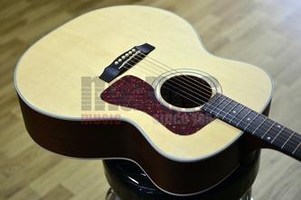 Guild USA F-40E Electro Acoustic Guitar, Natural