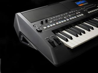 Yamaha PSR-SX600 61 Key Portable Keyboard Including Mains Adaptor