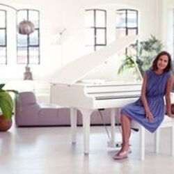 Yamaha CLP795 Digital Grand Piano in Polished White - 5 Year Warranty  (Subject to registering with Yamaha)