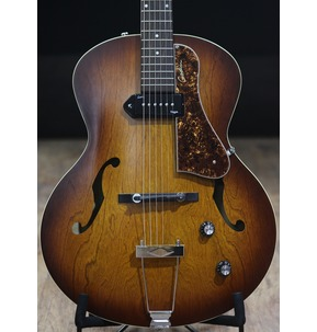 Godin 5th Avenue Kingpin P90 - Cognac Burst Archtop Semi Acoustic Guitar