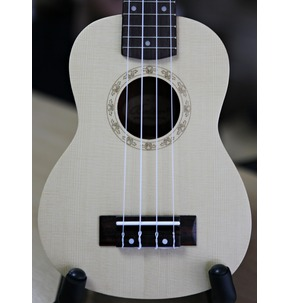 Better UK5  Soprano Solid Top Ukulele with  Aquila Strings