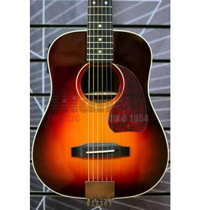 Traveler Guitar AG-450E Sunburst Travel Electro Acoustic Guitar & Case