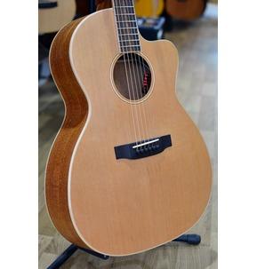 Auden Neo Chester 000 Cutaway Electro Acoustic Guitar & Case