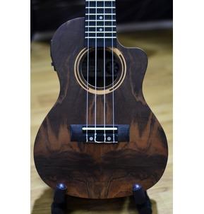 Tanglewood Tiare TWT 21 E Concert Cutaway Electro Ukulele & Case