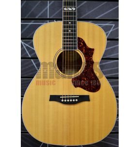 Godin Fairmount HG EQ Concert Hall Natural All Solid Electro Acoustic & Case