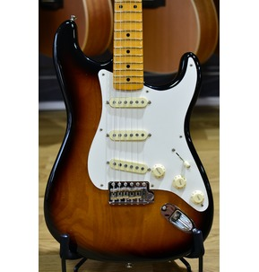 Fender Stories Collection Eric Johnson 1954 Virginia Stratocaster, Sunburst & Case