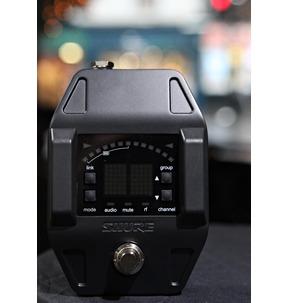 Shure GLXD16UK Digital Pedal Board Wireless Guitar System