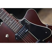 Godin 5th Avenue CW Kingpin II - Burgundy Archtop Semi Acoustic Guitar & Case