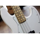 Fender Standard Jazz Bass, Arctic White, Maple