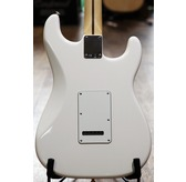 Fender Standard Stratocaster Left-Handed, Arctic White, Maple