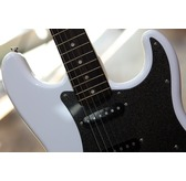 Fender Squier Affinity Series Stratocaster HSS, Olympic White, Laurel
